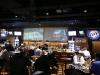 schermi videoproiezione verniciati all'interno di un pub